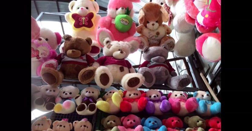 Игрушки (Мишки) на оптовом рынке Иу